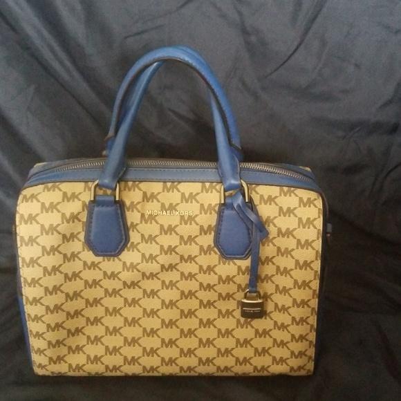 Michael Kors Handbags - Michael Kors Signature Satchel Bag